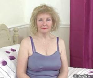 Big tits angel didloing on cam